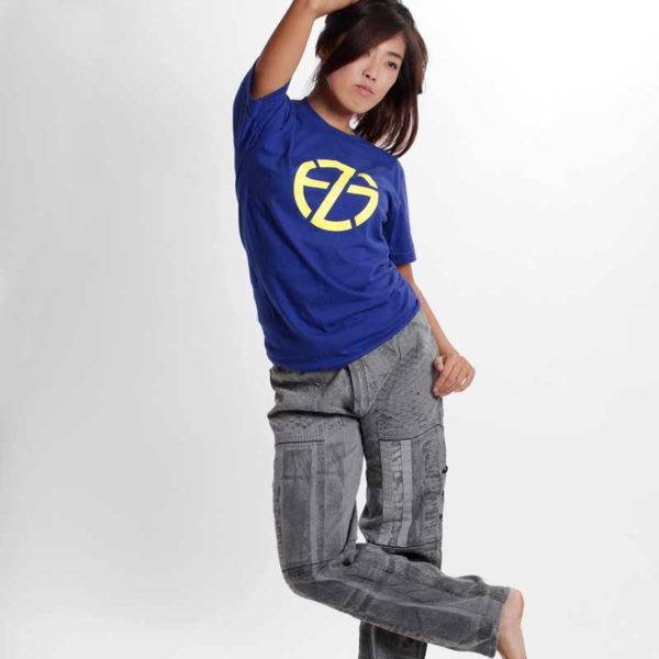 asian female model wearing a blue t-shirt with the logo by artist fade zu grau